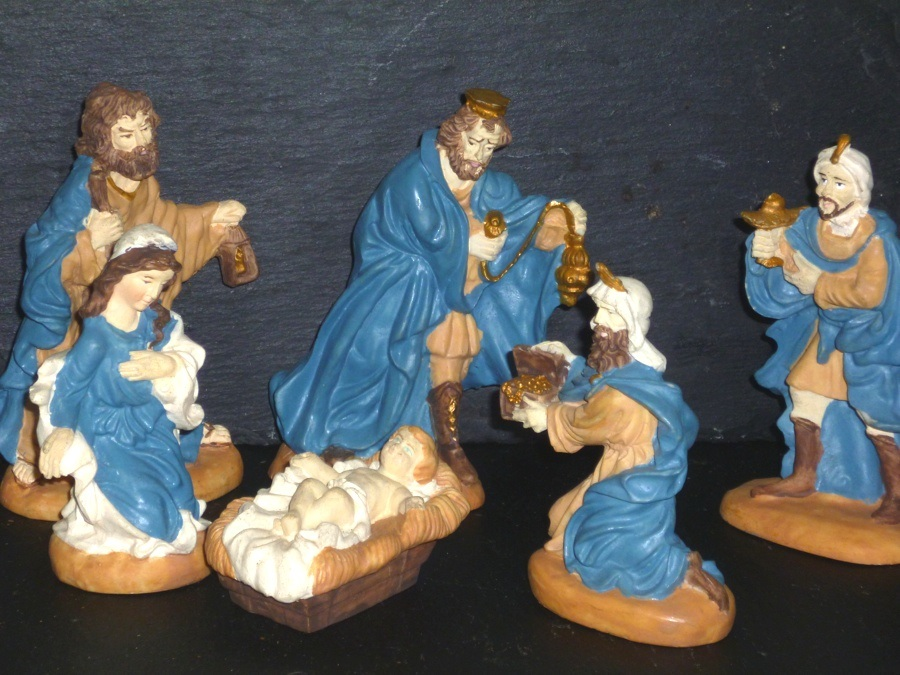 Figures of Joseph, Mary, Jesus and the Three Kings