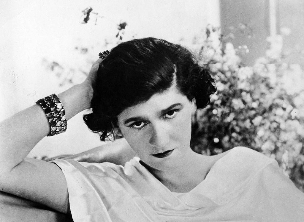 B/2 photo of Coco Chanel in 1920