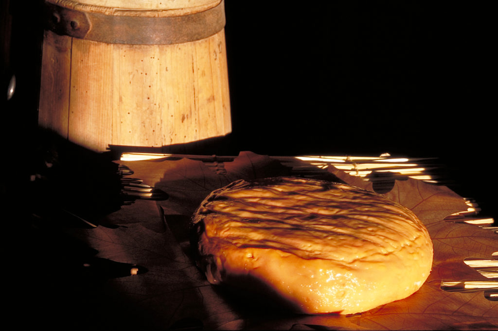 Epoisses cheese with one rind